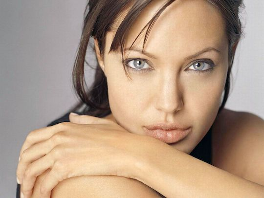 ANGELINA JOLIE: THE MOST ATTRACTIVE OLIVE-GROWER