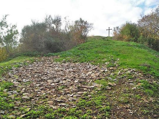 MOUNT TESTACCIO: FROM A CEMETERY OF EVOO VESSELS TO A REVERED MONUMENT